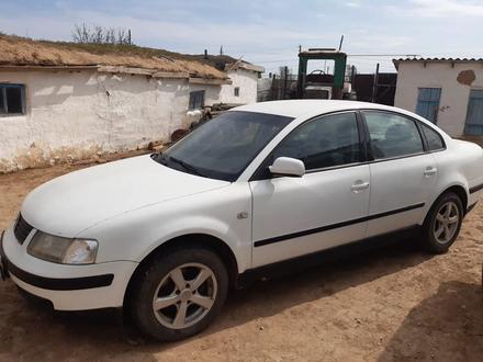 Volkswagen Passat 1997 года за 1 600 000 тг. в Уральск – фото 3