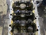 Блок двигателя Лексус 570 за 600 000 тг. в Актау – фото 3