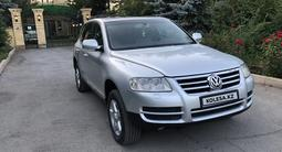 Volkswagen Touareg 2003 года за 4 900 000 тг. в Караганда – фото 2