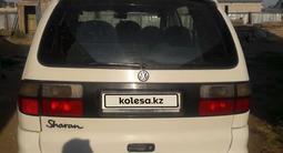 Volkswagen Sharan 1997 года за 1 500 000 тг. в Актобе