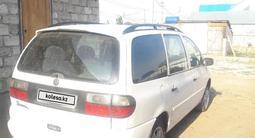 Volkswagen Sharan 1997 года за 1 500 000 тг. в Актобе – фото 4