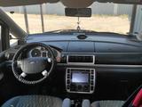Ford Galaxy 2002 года за 3 300 000 тг. в Атырау – фото 5
