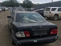 Mercedes-Benz E 230 1997 года за 10 000 тг. в Актобе