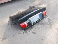 На Mitsubishi Diamante крышка багажника за 15 000 тг. в Алматы