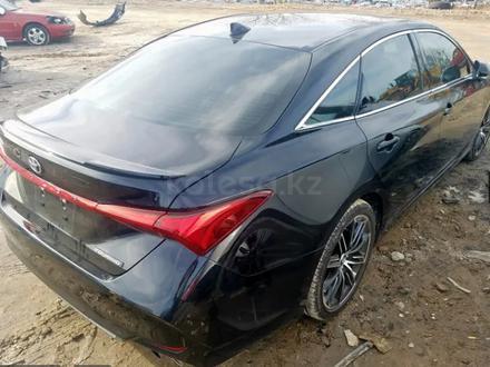 Toyota Avalon 2019 года за 15 100 000 тг. в Алматы – фото 4