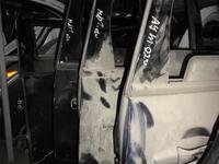 Двери на mitsubishi outlander за 333 тг. в Алматы