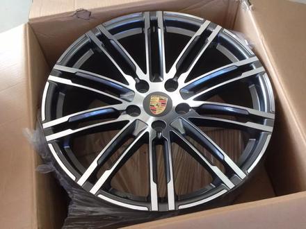 Новые диски на Porsche Cayenne R20-R21 Имеются шины лето-зима Датчики давл за 250 000 тг. в Алматы