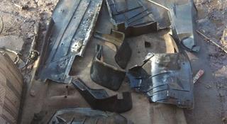 Подкрылок за 3 000 тг. в Алматы