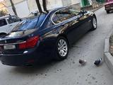 BMW 750 2010 года за 5 300 000 тг. в Караганда – фото 3