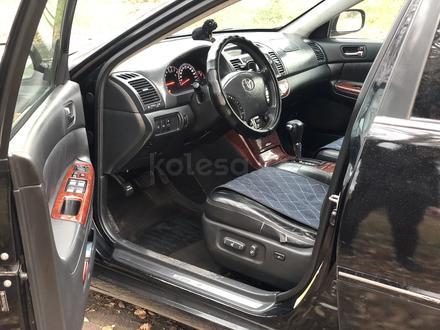 Toyota Camry 2005 года за 4 800 000 тг. в Караганда – фото 9