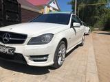 Mercedes-Benz C 180 2012 года за 5 900 000 тг. в Уральск – фото 2