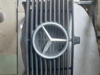 Решетка радиатора 124 мерс за 17 000 тг. в Петропавловск