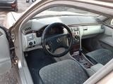 Mercedes-Benz E 240 2000 года за 3 600 000 тг. в Туркестан – фото 3