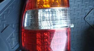 Задний левый фонарь на крыло Toyota Land Cruiser 100 за 111 тг. в Алматы