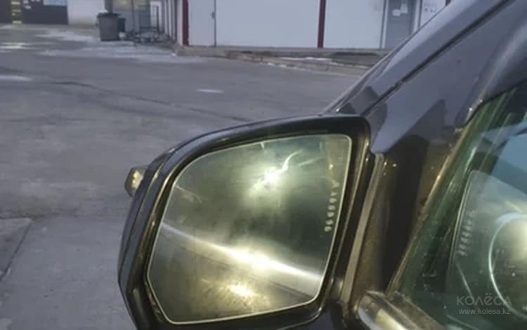 Правое боковое зкюеркало ML 350 W 164 за 75 000 тг. в Атырау