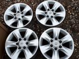 Б/у оригинальные литые диски на Toyota Land Cruiser Prado 150 за 206 000 тг. в Актобе – фото 2