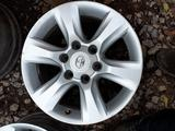 Б/у оригинальные литые диски на Toyota Land Cruiser Prado 150 за 206 000 тг. в Актобе – фото 3