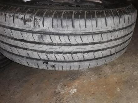 Диск с шинами почти новые шины за 70 000 тг. в Актау – фото 3