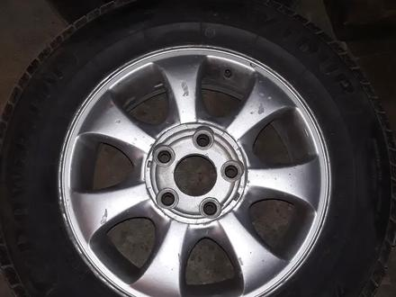 Диск с шинами почти новые шины за 70 000 тг. в Актау – фото 4