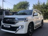 Toyota Land Cruiser 2021 года за 37 500 000 тг. в Актобе – фото 2