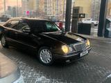 Mercedes-Benz E 320 2000 года за 3 500 000 тг. в Алматы – фото 2