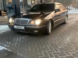 Mercedes-Benz E 320 2000 года за 3 500 000 тг. в Алматы – фото 3