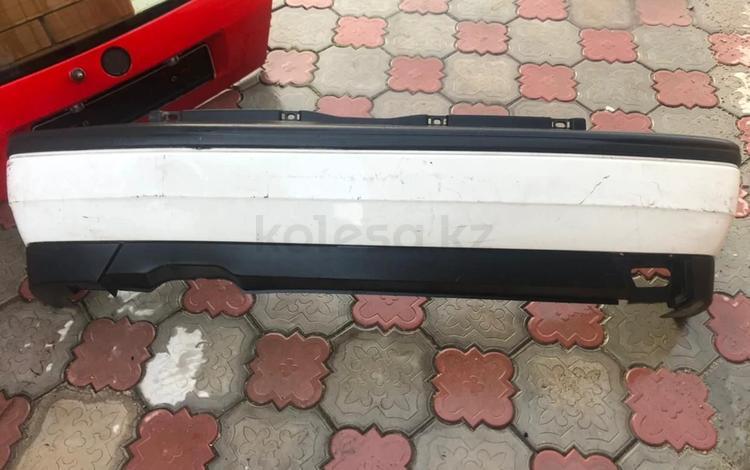 Бампер задний Гольф 3 за 15 000 тг. в Нур-Султан (Астана)