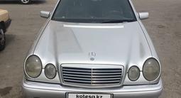 Mercedes-Benz E 420 1995 года за 3 500 000 тг. в Тараз – фото 2