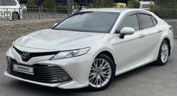 Toyota Camry 2019 года за 15 700 000 тг. в Шымкент