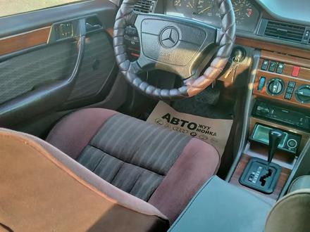Mercedes-Benz E 230 1991 года за 1 750 000 тг. в Шымкент – фото 4