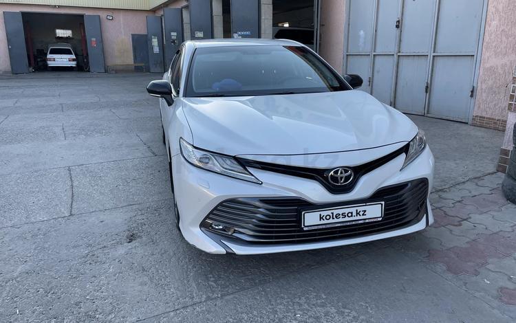 Toyota Camry 2018 года за 13 500 000 тг. в Шымкент