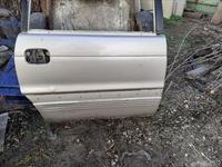 Дверь на Mitsubishi Spase Runner задняя правая за 5 000 тг. в Алматы