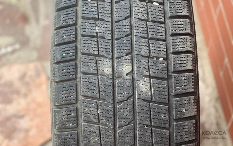 Dunlop 225/45/17 комплект зимних шин за 60 000 тг. в Алматы
