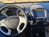 Hyundai Tucson 2012 года за 6 200 000 тг. в Атырау – фото 2