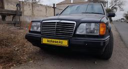 Mercedes-Benz E 200 1991 года за 1 750 000 тг. в Атырау – фото 3