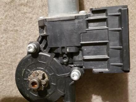 Моторчик стеклоподъемника за 15 000 тг. в Алматы