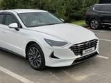 Hyundai Sonata 2020 года за 13 900 000 тг. в Алматы