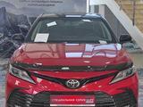 Toyota Camry 2021 года за 16 604 350 тг. в Уральск – фото 2