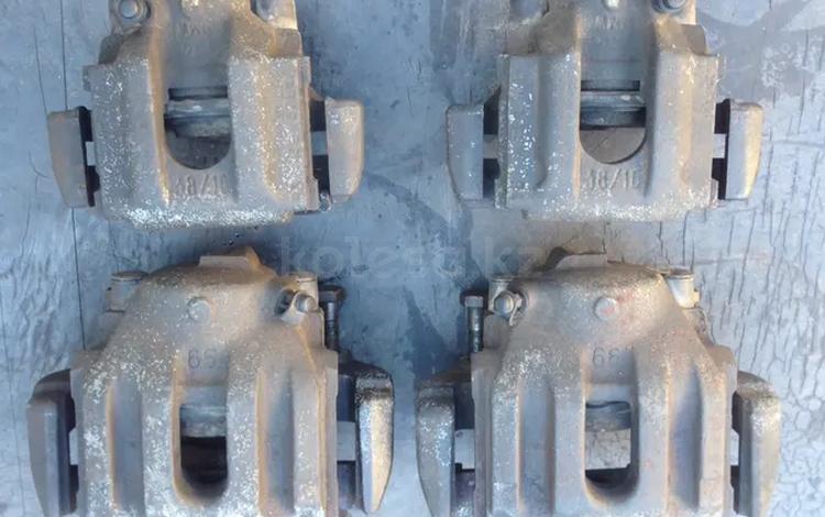 BMW e34 530 Тормозной суппорт за 5 000 тг. в Караганда