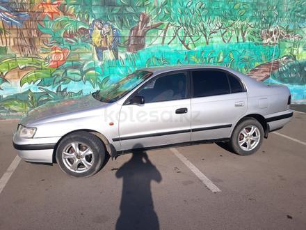 Toyota Carina E 1997 года за 1 700 000 тг. в Алматы – фото 2