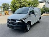 Volkswagen Transporter 2021 года за 19 560 000 тг. в Алматы – фото 2