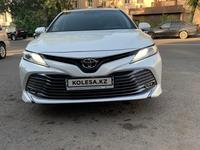 Toyota Camry 2018 года за 13 500 000 тг. в Алматы