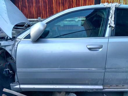 Передняя дверь, задняя дверь Audi a8 d3 двери петли замки за 40 000 тг. в Алматы