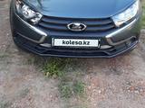 ВАЗ (Lada) 2190 (седан) 2020 года за 3 950 000 тг. в Караганда – фото 2