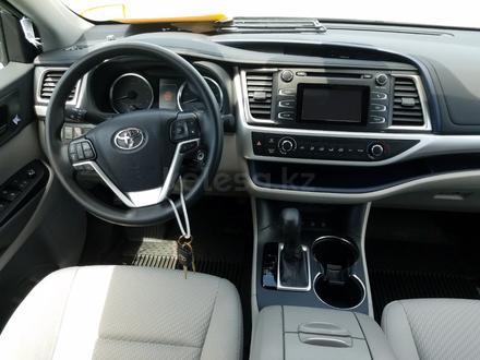 Toyota Highlander 2019 года за 16 390 000 тг. в Алматы – фото 4