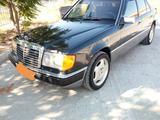 Mercedes-Benz E 260 1991 года за 2 000 000 тг. в Актау – фото 3