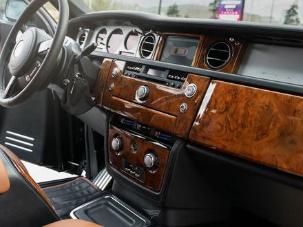 Rolls-Royce Phantom 2003 года за 43 000 000 тг. в Алматы – фото 12