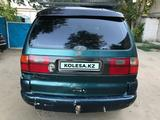 Volkswagen Sharan 1996 года за 1 000 000 тг. в Актобе – фото 4
