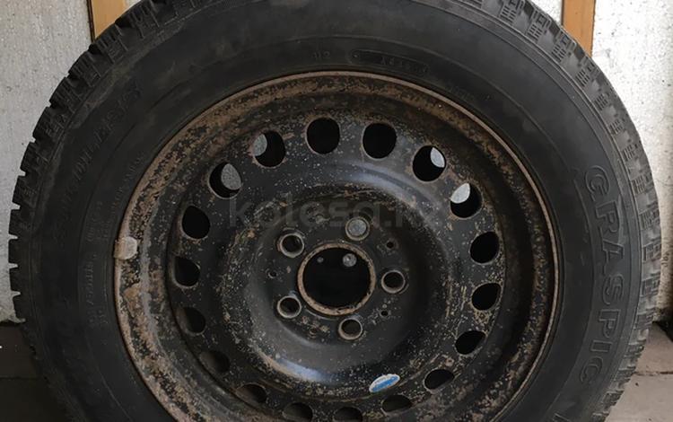 Шины с дисками на Mercedes r15 за 35 000 тг. в Караганда