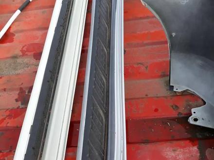 Подножки порогов LC200 за 20 000 тг. в Усть-Каменогорск – фото 2